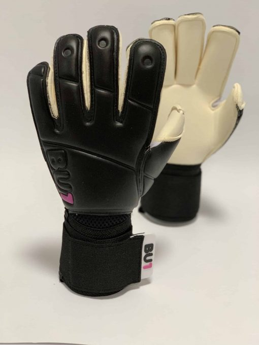 Brankářské rukavice BU1 Black and White Roll Finger střih